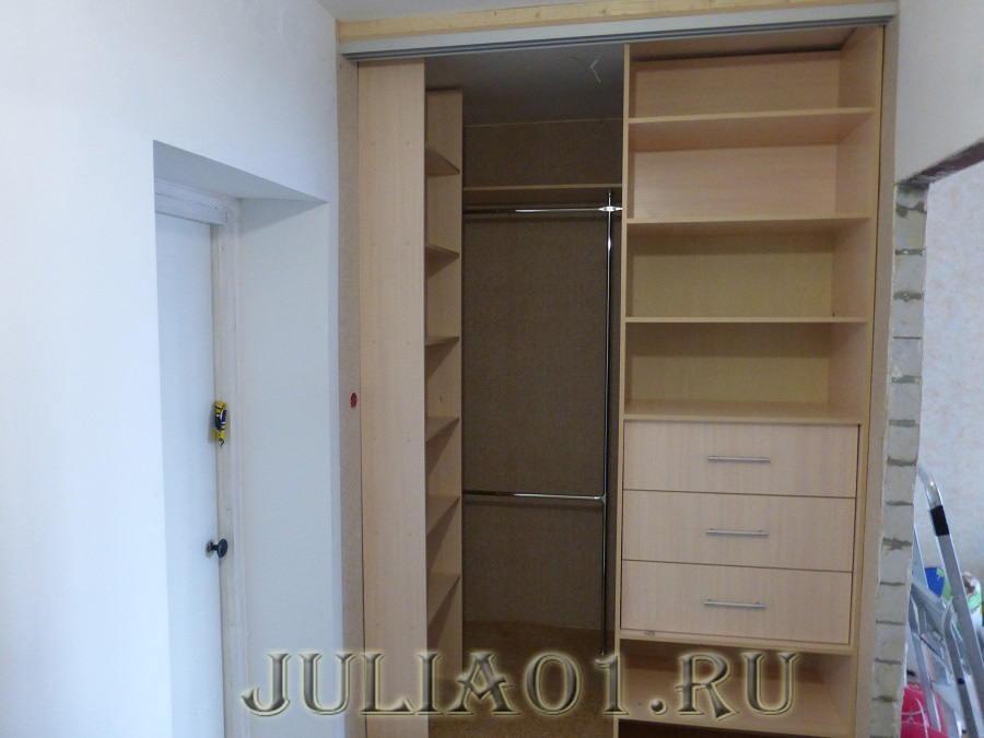 шкафы-купе в длинном коридоре фото